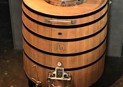 Provence Wine Tours - In Lubéron, a superb vat
