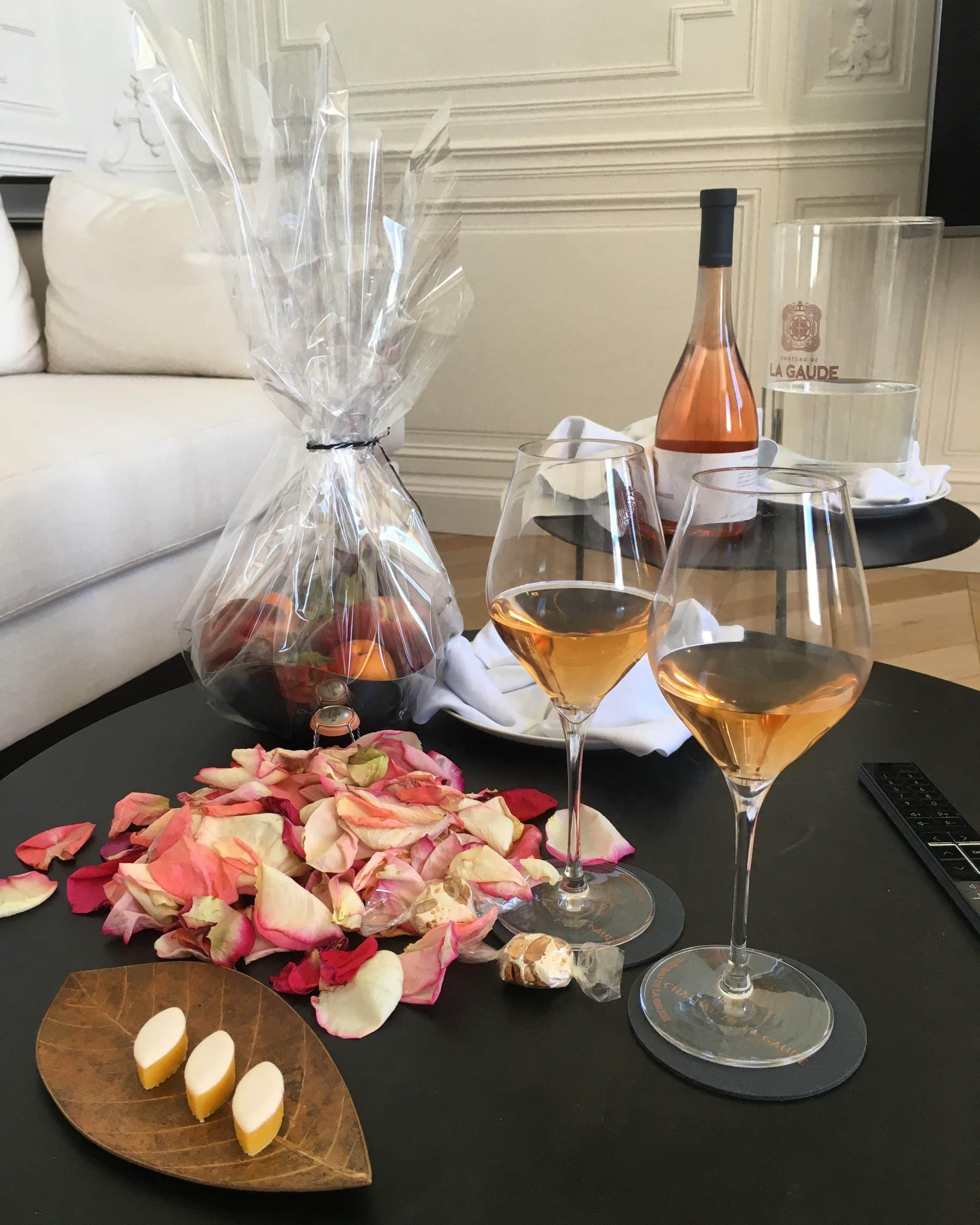 glass of rosé and calisson a Provencal treat