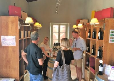 Provence Wine Tours - Private wine tasting at a Château in Lubéron